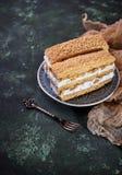 Duas partes de bolo caseiro doce Imagens de Stock Royalty Free