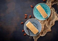 Duas partes de bolo caseiro doce Fotos de Stock Royalty Free