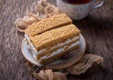 Duas partes de bolo caseiro doce Fotografia de Stock Royalty Free