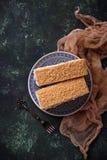 Duas partes de bolo caseiro doce Foto de Stock