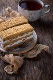 Duas partes de bolo caseiro doce Imagens de Stock