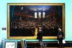 Duas pessoas em National Portrait Gallery, Londres Foto de Stock
