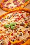 Duas pizzas Imagem de Stock