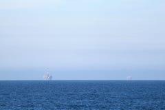 Duas plataformas petrolíferas Fotografia de Stock Royalty Free