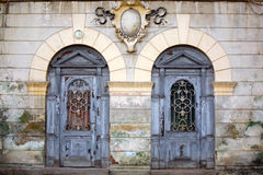 Duas portas antigas fotografia de stock
