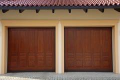 Duas portas da garagem Foto de Stock