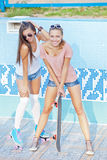 Duas raparigas bonitas Imagem de Stock Royalty Free