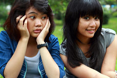 Duas raparigas de sorriso bonitas Foto de Stock