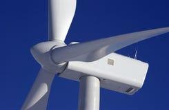 Duas turbinas de vento Fotografia de Stock Royalty Free
