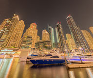 Dubaï - 9 août 2014 : Secteur de marina de Dubaï dessus Photos stock