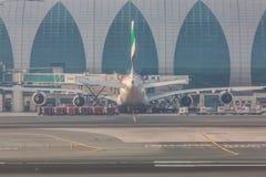 05 03 2018, Dubaï, EAU : Airbus 380 accouplé dans l'aéroport international de Dubaï, se préparant à décollent Avion de lignes aér photo stock
