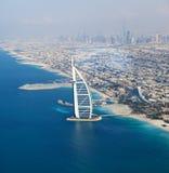 Dubaï, EAU. Burj Al Arab d'en haut Image stock