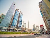 Dubaï, EAU - 15 mai 2018 : Gratte-ciel sur Sheikh Zayed Road à Dubaï image libre de droits