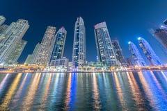Dubaï - 10 janvier 2015 : Secteur de marina dessus Image stock