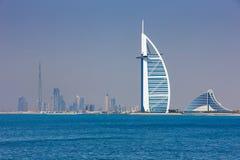 Dubai är bekant som lekplatsen för arkitekter Royaltyfri Bild