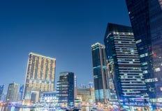 Dubai - 9 de agosto de 2014: Distrito do porto de Dubai sobre Fotos de Stock Royalty Free