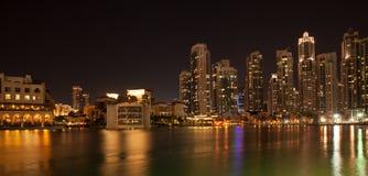 Dubai affärsfjärd Fotografering för Bildbyråer