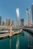 Dubai - 9. August 2014: Dubai-Jachthafenbezirk an Stockfotografie