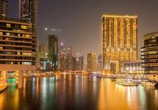 Dubai - 9. August 2014: Dubai-Jachthafenbezirk an Lizenzfreies Stockbild
