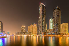 Dubai - 9. August 2014: Dubai-Jachthafenbezirk an Lizenzfreie Stockfotografie
