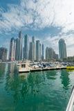 Dubai - 9. August 2014: Dubai-Jachthafenbezirk Lizenzfreie Stockfotografie