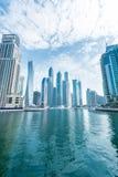 Dubai - 9. August 2014: Dubai-Jachthafenbezirk Stockfotografie