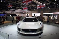 Dubai-Autoausstellung NOVEMBER-14-2011 Stockfotos