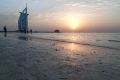 Dubai Burj alarab - solnedgång Arkivfoton