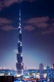 Dubai. Burj Khalifa. Nattsikt Royaltyfria Foton