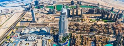 Dubai céntrico. Del este, arquitectura de United Arab Emirates. Aéreo Fotografía de archivo libre de regalías