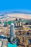 Dubai céntrico. Del este, arquitectura de United Arab Emirates. Aéreo Imagen de archivo libre de regalías