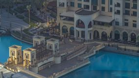 Dubai céntrico durante timelapse de la salida del sol Visión superior desde arriba almacen de video