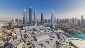 Dubai céntrico durante todo el día timelapse Visión superior desde arriba almacen de video