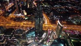 Dubai céntrico en la noche, United Arab Emirates almacen de metraje de vídeo