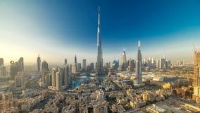 Dubai céntrico en la opinión del timelapse de la tarde del top en Dubai, United Arab Emirates almacen de video