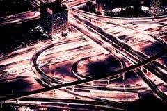Dubai céntrico en la noche Imagen de archivo libre de regalías