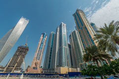 Dubai - 9 de agosto de 2014: Distrito do porto de Dubai sobre Imagem de Stock Royalty Free