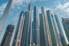 Dubai - 9 de agosto de 2014: Distrito do porto de Dubai sobre Fotografia de Stock