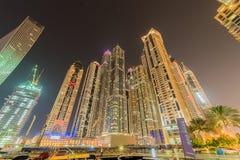 Dubai - 10 de janeiro de 2015: Distrito do porto sobre Fotografia de Stock