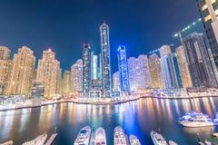 Dubai - 26 de março de 2016: Distrito do porto o 26 de março em UAE, Dubai O distrito do porto é área residencial popular em Duba Imagens de Stock