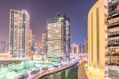 Dubai - 26 de marzo de 2016: Distrito del puerto deportivo el 26 de marzo en UAE, Dubai El distrito del puerto deportivo es área  Imagenes de archivo
