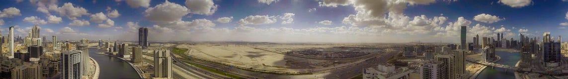 DUBAI - DEZEMBER 2016: Luftpanoramablick der im Stadtzentrum gelegenen Stadt SK Lizenzfreie Stockfotos