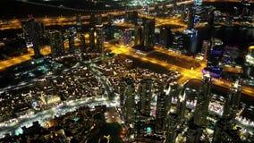 Dubai do centro na noite, Emiratos Árabes Unidos vídeos de arquivo