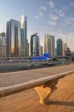 Dubai - a estrada a Abu Dhabi fotografia de stock