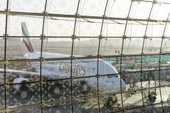 DUBAI FÖRENADE ARABEMIRATEN - 11 April 2018 - emiratflygbolag A Arkivbild