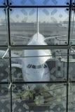 DUBAI FÖRENADE ARABEMIRATEN - 11 April 2018 - emiratflygbolag A Arkivfoton