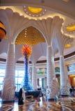 Dubai Förenade Arabemiraten, April 11,2013 inre av hotell`-Atlanten gömma i handflatan ` i Dubai Arkivfoton