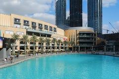 DUBAI FÖRENADE ARABEMIRATEN - DECEMBER 10, 2016: Den Dubai gallerian är den största köpcentret för världs` s Arkivfoton