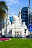 DUBAI FÖRENADE ARABEMIRATEN - FEBRUARI 1, 2018: Moské nära Duba Royaltyfri Foto