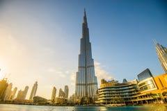 DUBAI FÖRENADE ARABEMIRATEN - 05 Januari, 2018: Burj Khalifa torn Denna skyskrapa är den mest högväxta konstgjorda strukturen Arkivfoto